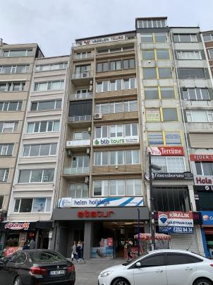 Harbiye Cumhuriyet Caddesinde Geniş Teras Kullanımlı, Teras Hariç Net 90 M2 , Kiralık Ofis