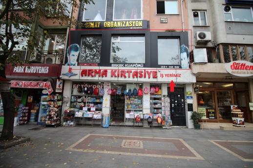 Eskidji İzmit Merkez Cumhuriyetpark Karşısı,cadde Cepheli,1.kat