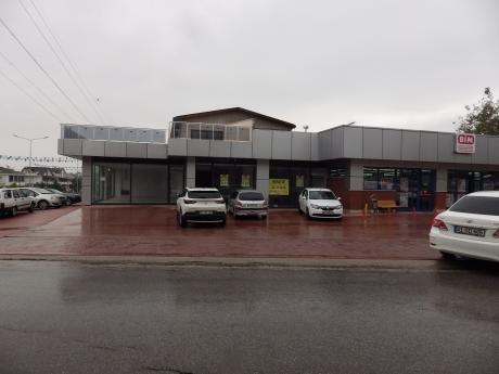 Eskidji'den Başiskele/yeniköy Bim Yanı Kiralık Dükkan 530m