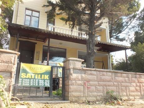 Çanakkale Güzelyalı Da İşyerine De Uygun Müstakil 5+1 Villa.