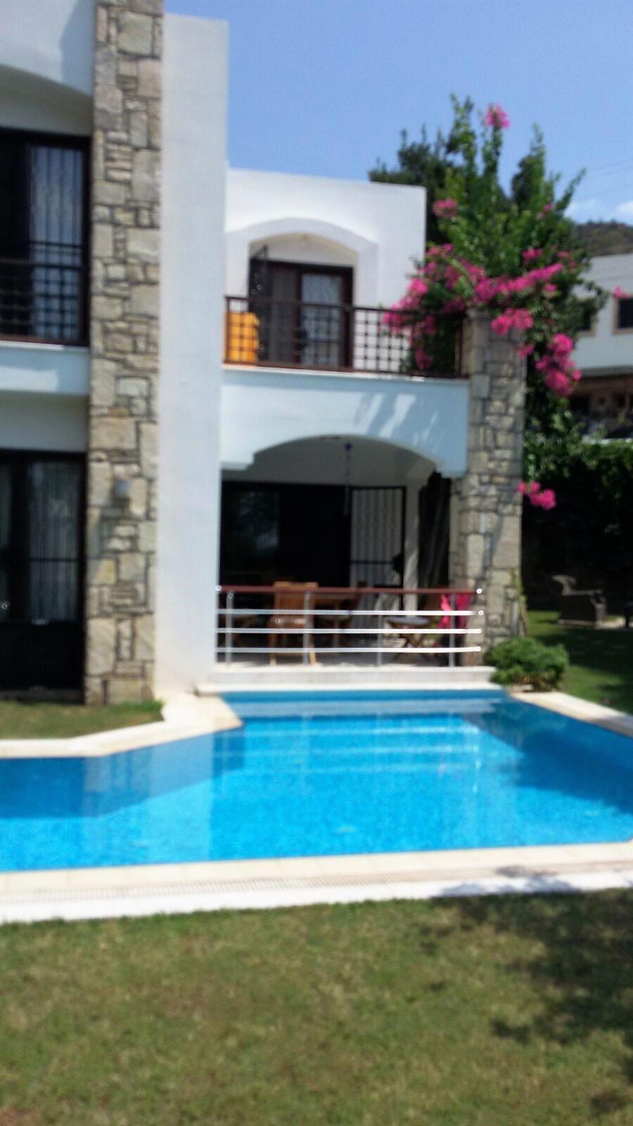 Bodrum Kumbahçede Satılık 3+1 Müstakil Villa