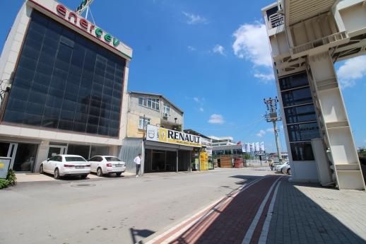 Eskidji'den Yenişehir E-5 Yan Yolda Kiralık Müstakil Ticari Plaza,