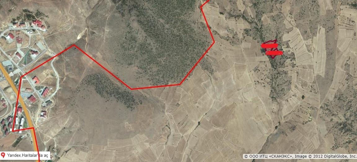 Bozok Ünv.yakını Divanlı Da 2 Tarla 14.635 M2 Uygun Arsa