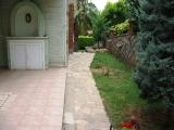 Güzelbahçede Yüzme Havuz Ve Güvenlikli Sitede ısı Pompalı Villa